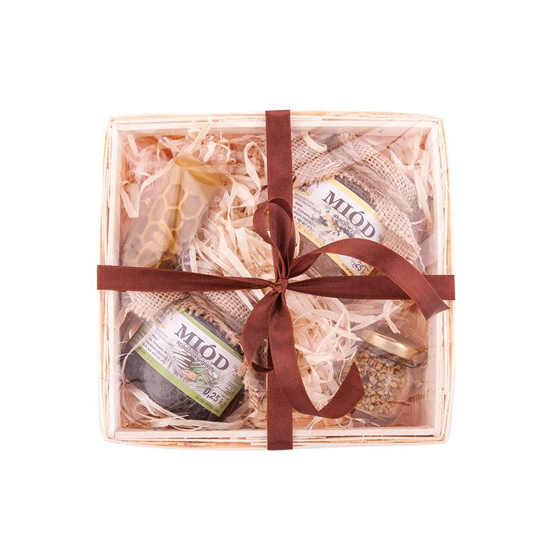 M056 Zestaw prezentowy miód, woskowa świeca i pyłek w koszyku